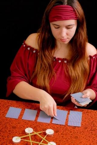 Výklad kariet, horoskopy