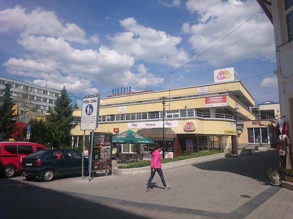 Prenájom priestovor - Obchodný dom Vtáčnik, Prievidza