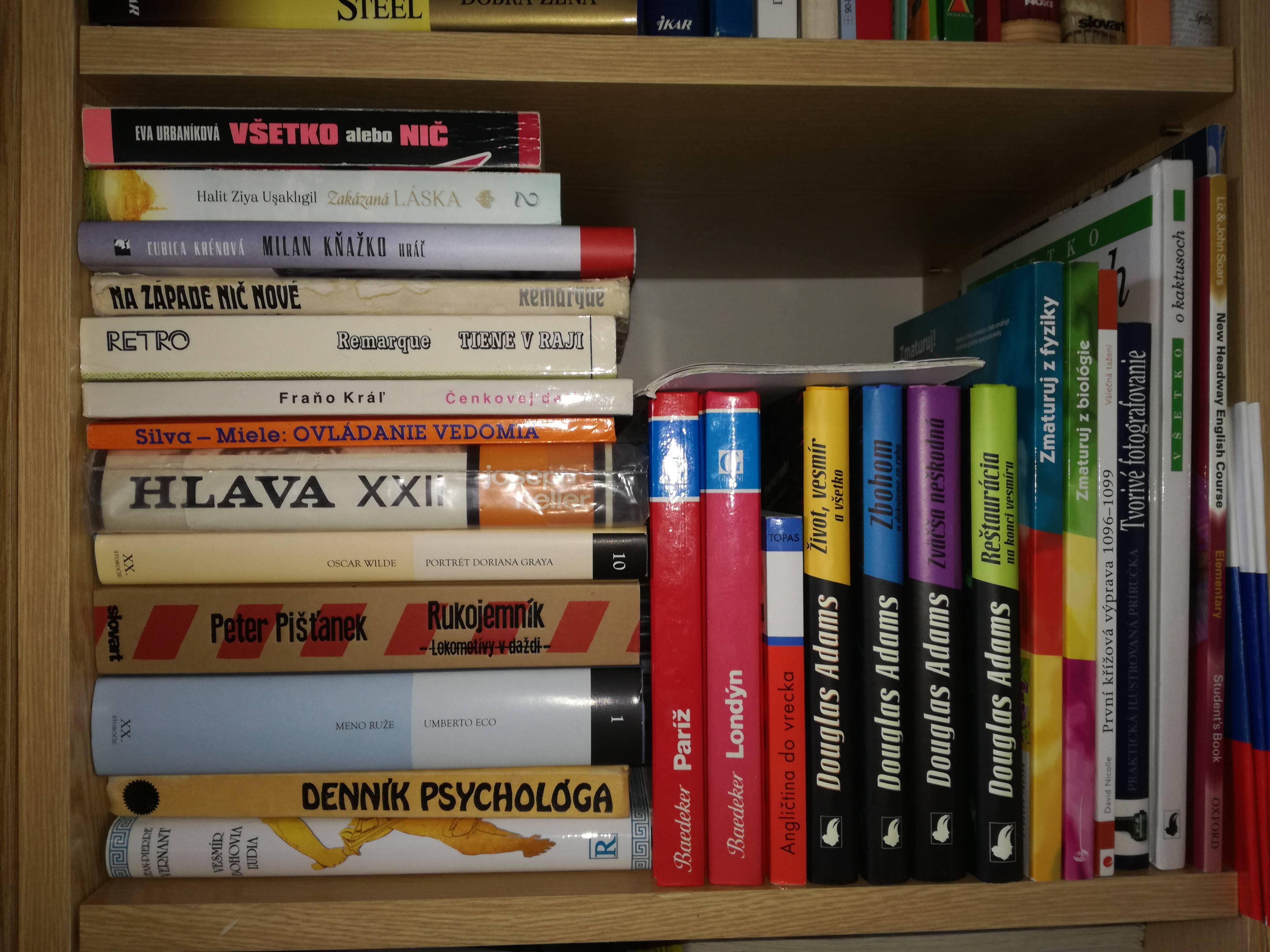 predam knihy, romany a i.